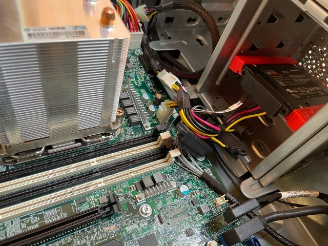 Servidor - HPE ProLiant ML110 Gen9 Server  - Foto 6
