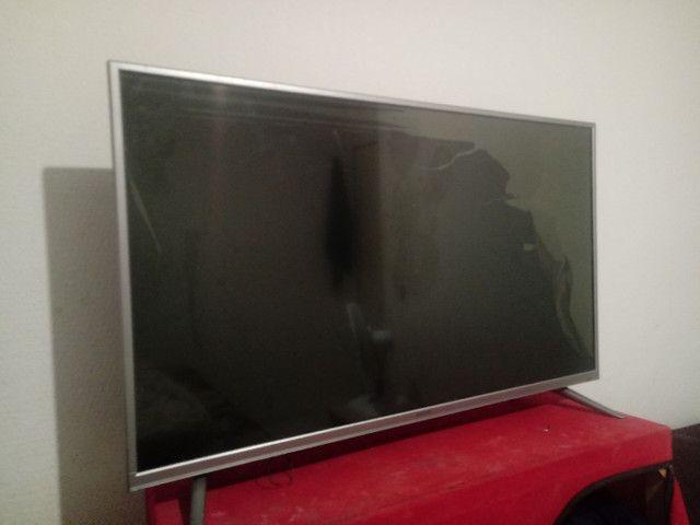 Vende-se televisão smart TV LED - Foto 3