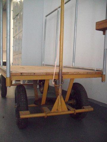 Carrinho de transporte 04 rodas