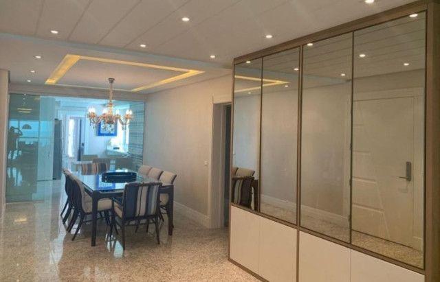 Apartamento espetacular frente mar, com 3 suítes, na Av. Atlântica, centro Bal. Camboriu - Foto 13
