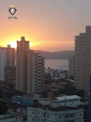 Excelente Apartamento de Alto Padrão 3 Dormitórios 3 Suítes menos de 100 metros da Praia - Foto 16