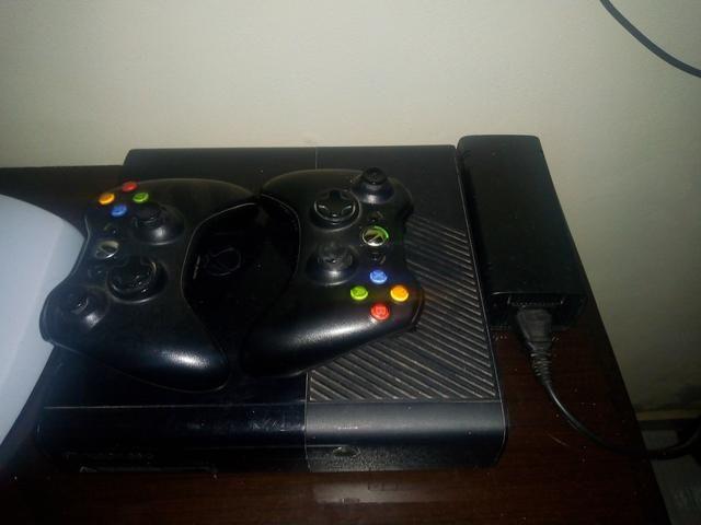 Xbox 360 vendo 400 $ leia a descrição