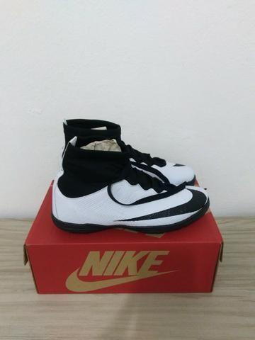 1edc919963dbc Chuteira Nike Society Branca. Tamanhos  39