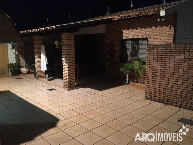 8045   Sobrado à venda com 5 quartos em JD LIBERDADE, MARINGÁ