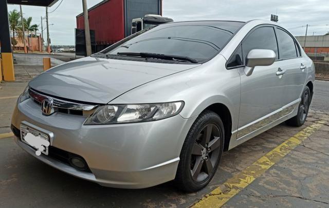 Honda Civic automático 2008 aceita financiamento
