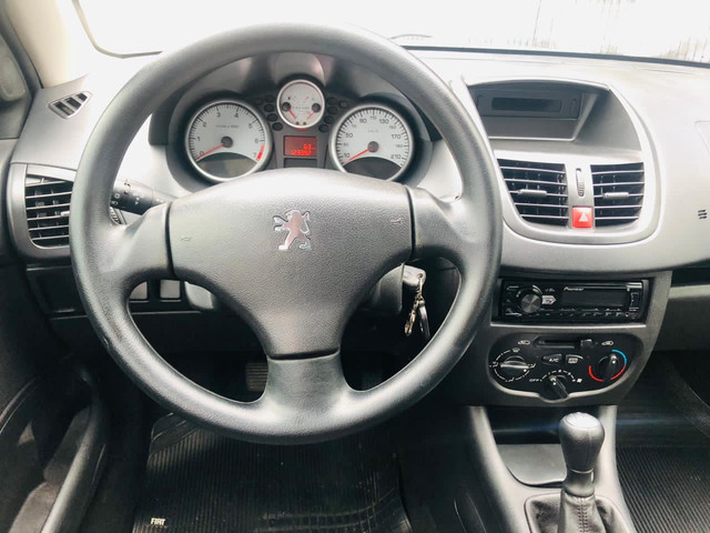 Peugeot 207 XR 1.4 Completo / impecável/ Troca  - Foto 7