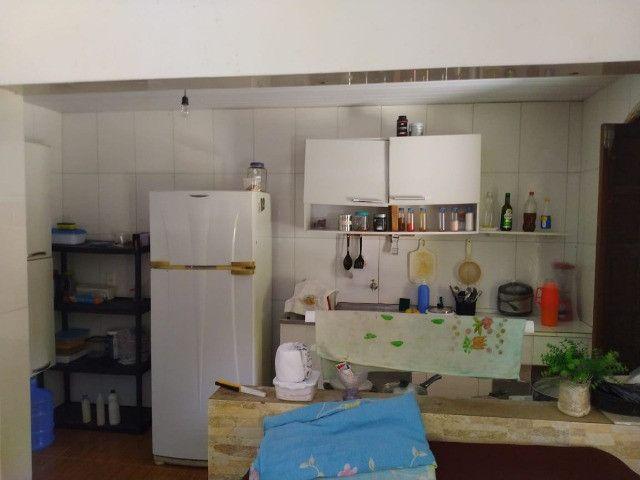Bela casa na Estrada do Coco, atrás do Outlet Premium - Foto 6