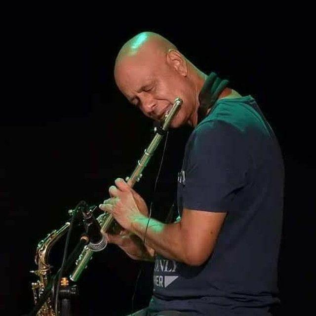 Aulas de saxofone e flauta transversal