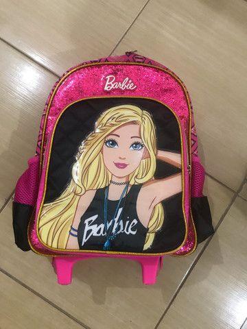 Mochila da Barbie com rodinha  - Foto 4