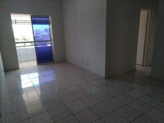 Condomínio Residencial Benfica-99m2- Elevador- 4°andar - Foto 11