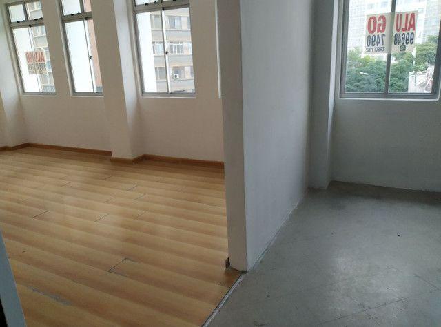 Alugo sala comercial. Rua Emiliano perneta. 42m2 - Foto 3
