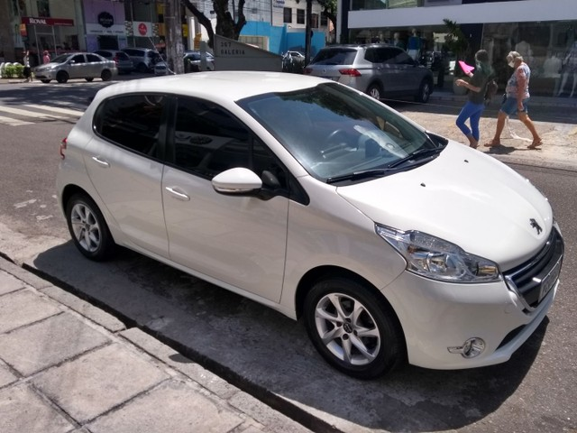 Peugeot/208 active pack ano 2015 - Foto 8