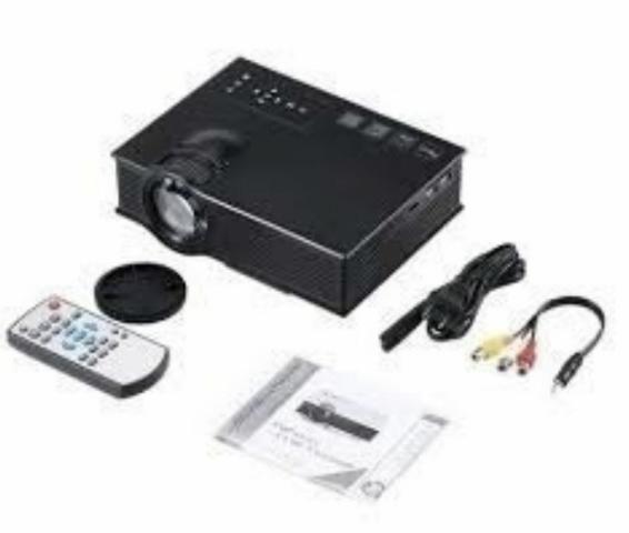 Projetor Led Profissional 1200 Lumens Hdmi Wi-Fi Uc46 130 Polegadas Bivolt Novo na Caixa