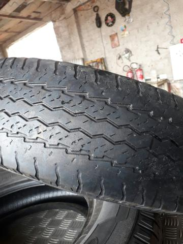 Par de pneus de carga good year 225/75 r16