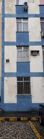 Apartamento no bairro Irajá, 2 quartos - Foto 2