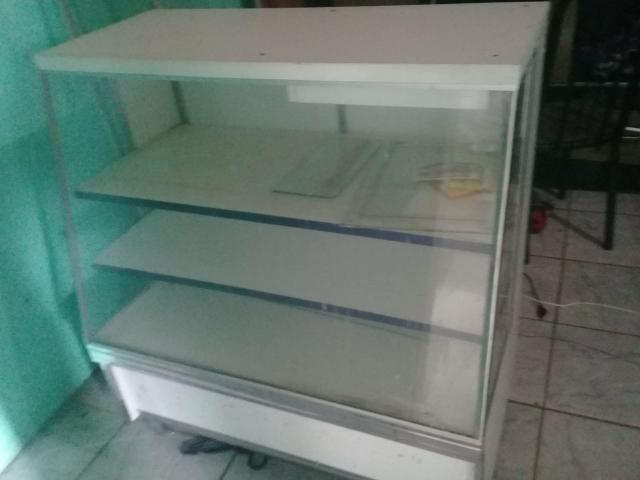 Vendo um balcão. para pão ou bolos . etc - Foto 2