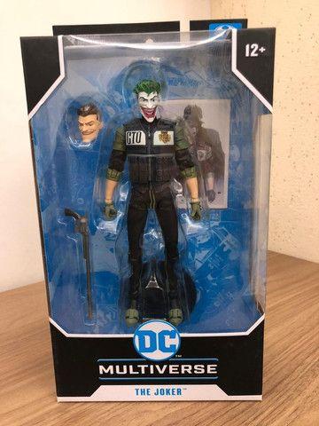 Boneco The Joker White Knight Dc Comics Multiverse Mcfarlane