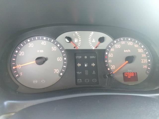 Clio sedan Privilege 1.0 completo ano 2005 - Foto 10