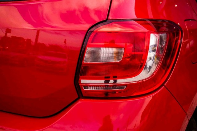 Renault Sandero Authentique 1.0 - Foto 2