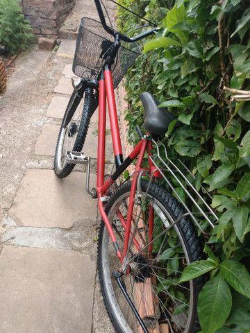 Bicicleta muito boa com pneus e câmeras novas - Foto 2
