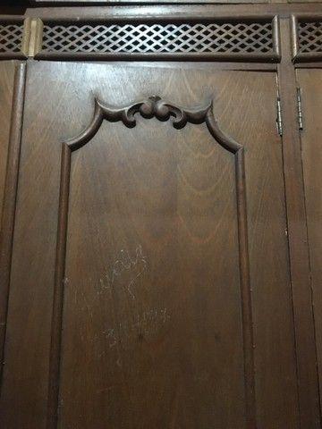 Guarda roupa de madeira maciça  - Foto 2