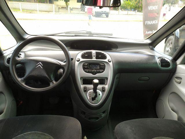 Citroën Xsara Picasso 2.0 Exclusive 2005<br>Automática - Foto 8
