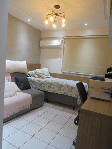 Apartamento três suítes, projetado, andar privilegiado! - Foto 8