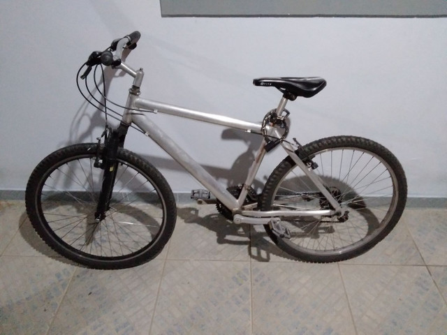ACEITO OFERTAS/Bicicleta- Alumínio