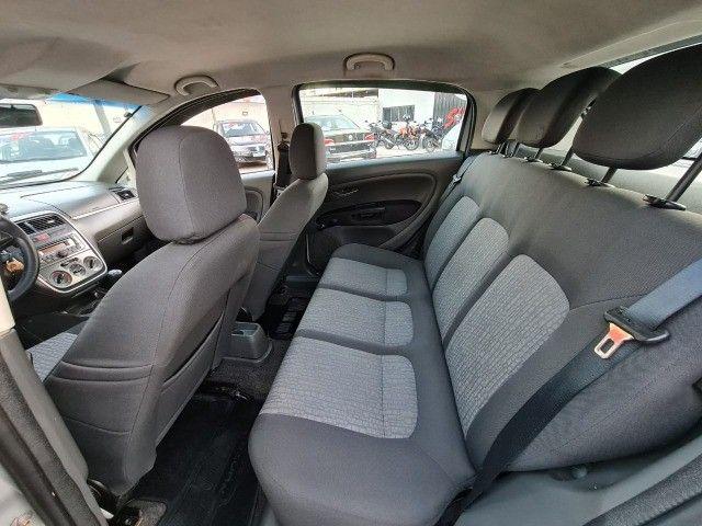 Fiat Punto Essence 1.6 manual 4p flex completo 2011- Otima condição !!! - Foto 10
