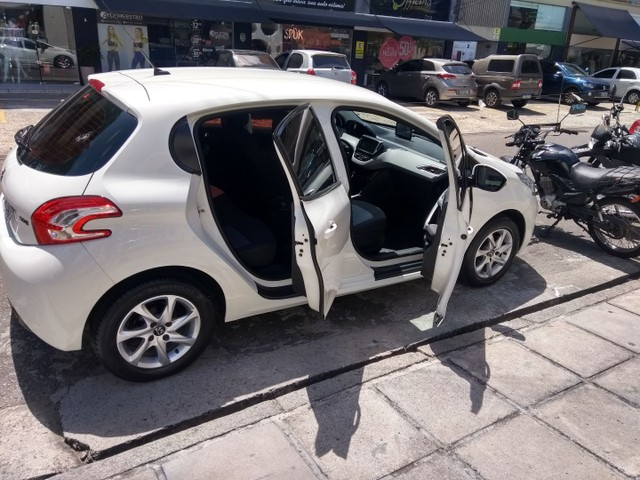 Peugeot/208 active pack ano 2015 - Foto 3