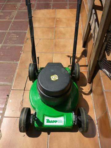 Máquina de corta grama nova
