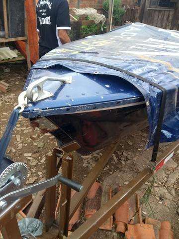 Barco de pesca estado de novo pintado a pouco tempo mede 4_30 borda Alta 3 viveiros