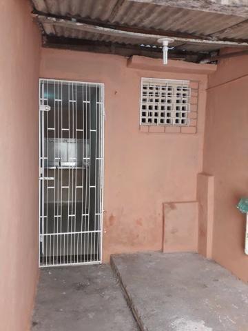 Alugo casa no Álvaro Weyne com 03 quartos - Foto 10