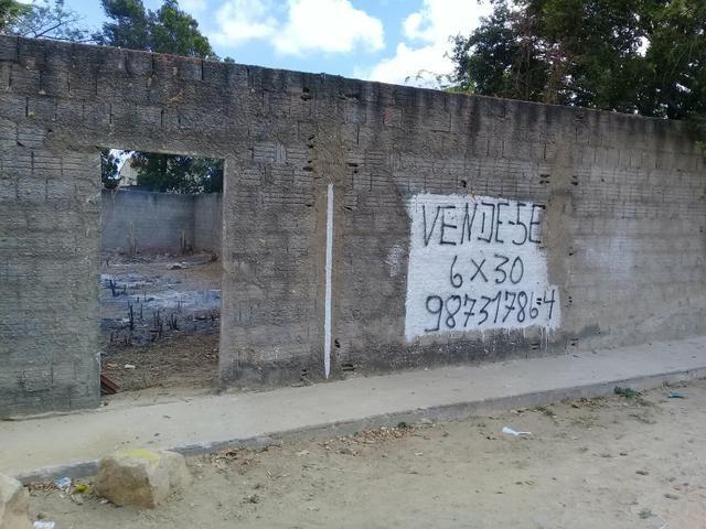 Terreno 6x30 no Siqueira