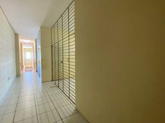 Imóvel comercial em Olinda composto dois amplos salões e 6 salas em avenida principal - Foto 16
