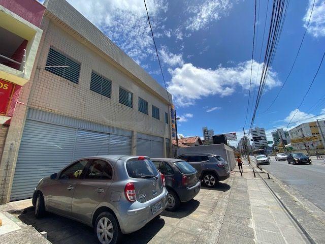 Imóvel comercial em Olinda composto dois amplos salões e 6 salas em avenida principal - Foto 18