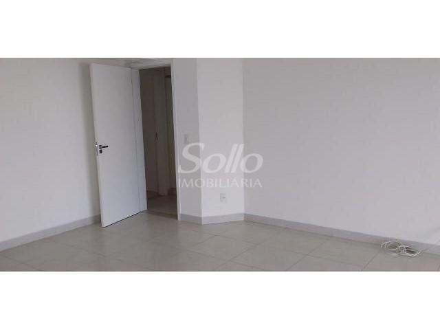 Apartamento para alugar com 3 dormitórios em Saraiva, Uberlandia cod:13522