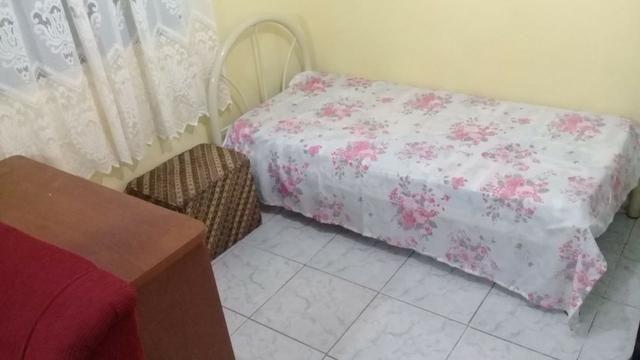 Kitnet mobiliada em Araucária livre de água e luz - Foto 4