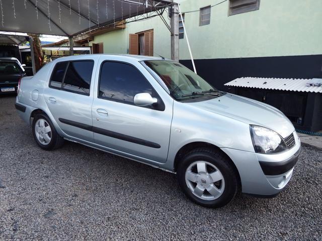 Clio sedan Privilege 1.0 completo ano 2005