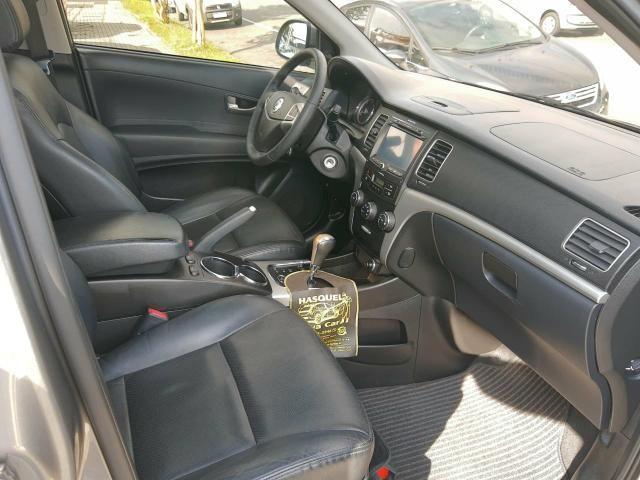 Korando 2.0 diesel aut 4x4 com teto - Foto 12