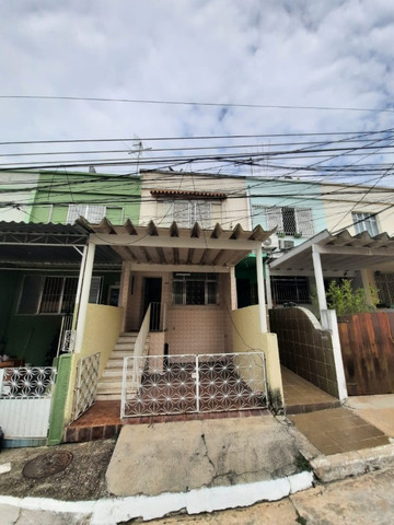 Casa Duplex em condomínio no centro da Portuguesa!