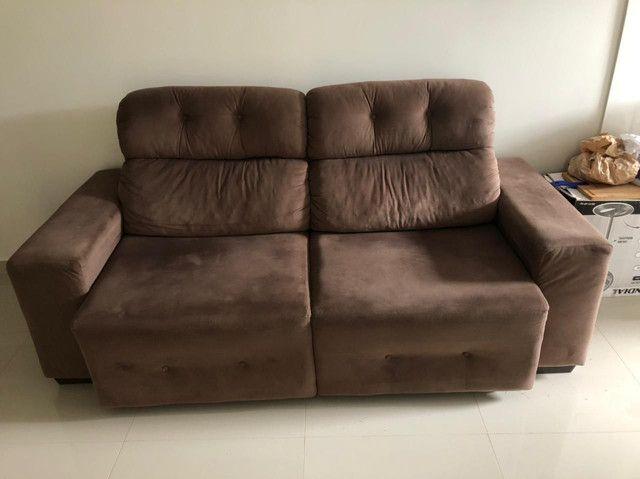 Vende-se Sofá Reclinável e Retrátil - Foto 2