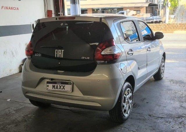 Fiat mobi drive 1.0 ano: 2018 - Foto 2
