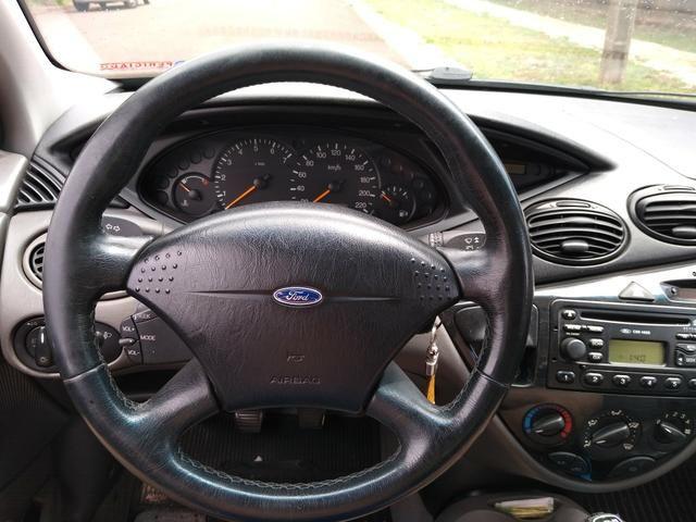 Focus sedan guia 2001 - Foto 4
