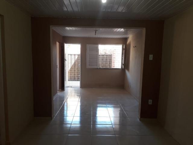 Alugo casa no Álvaro Weyne com 03 quartos - Foto 3