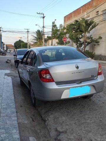 Renault Symbol 2010 - Foto 4