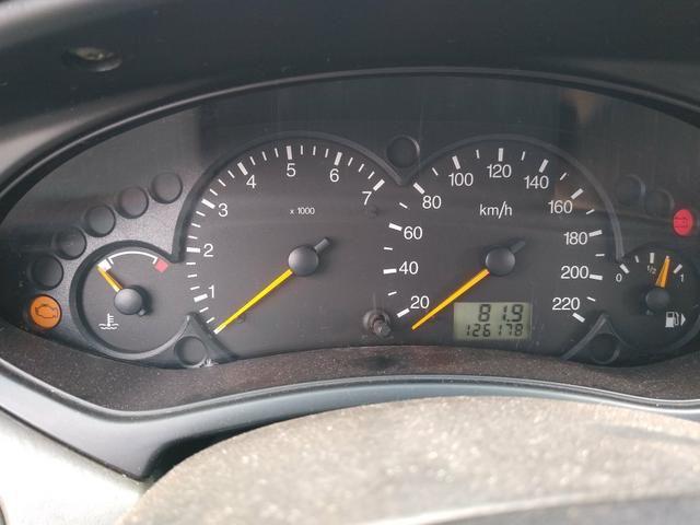 Focus sedan guia 2001 - Foto 6