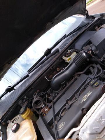 Focus sedan guia 2001 - Foto 2