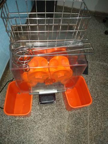 Vendo uma máquina de fazer suco de laranja novinha - Foto 3