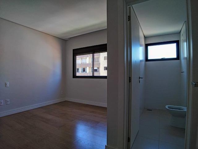 Apartamento no Centro em Itajaí. 3 Suítes, 147M², 2 Vagas de Garagem - Foto 9